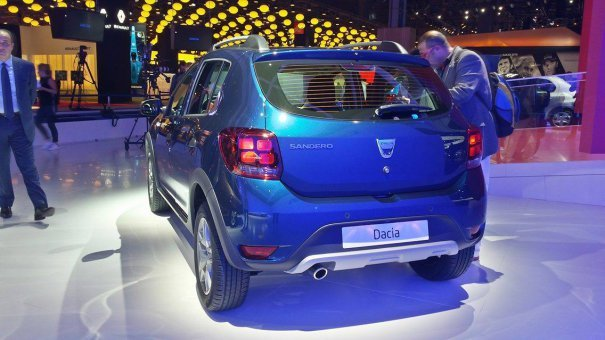 Dacia/Renault Logan y Sandero facelift (2017) 9