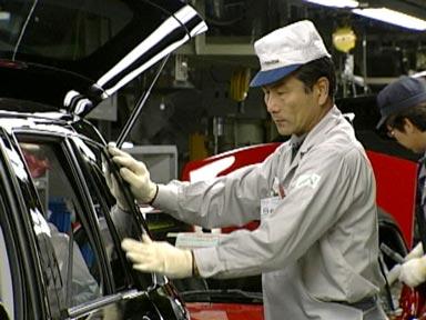 Mazda recheamă 280.000 de unităţi