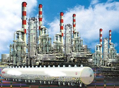 Iranul va construi cinci rafinarii în Asia