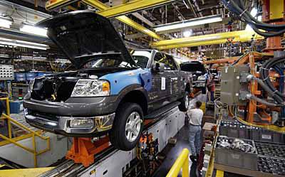 Peste 27.000 de angajaţi au părăsit compania Ford