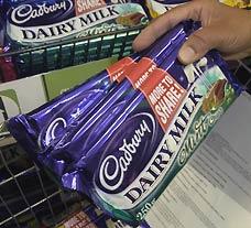 Cadbury îşi închide din fabrici şi îşi vinde divizia de băuturi răcoritoare