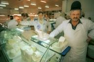 UE ne mai păsuieşte doi ani cu laptele prost
