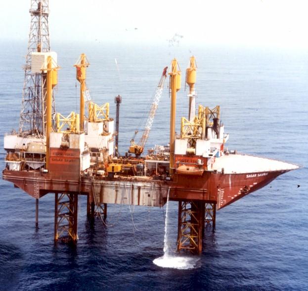 Încă o companie petrolieră părăseşte Venezuela