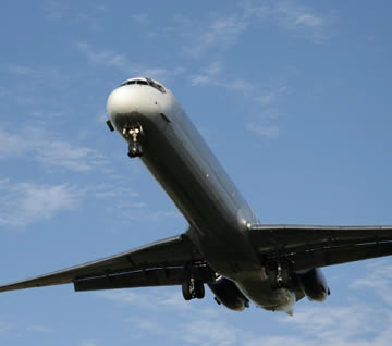 Uniunea Europeană şi Statele Unite s-au înţeles la zborurile transatlantice