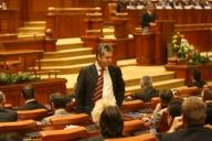 UPDATE: Patru parlamentari liberali au fost racolaţi de PDL