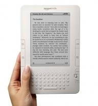 Amazon.com va vinde cititoarele de cărţi digitale Kindle în toată lumea