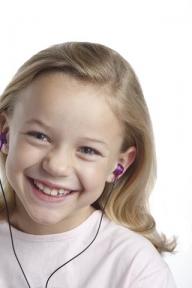 Tu ştii la ce volum ascultă muzică odrasla ta?