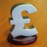 Banca Angliei menţine dobânda la nivelul minim record de 0,5%
