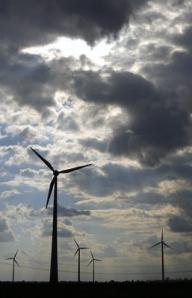 Eolienele din România vor produce cât 2 reactoare de la Cernavodă până în 2012