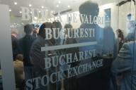 Bursa deschide în urcare, neafectată de criza politică