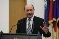 Băsescu: Băncile au o poziţie în defavoarea beneficiarului din agricultură