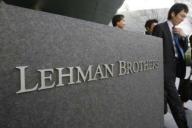 Cine mănâncă o pâine de pe urma falimentului Lehman Brothers