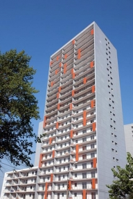 """Dan Pascariu pregăteşte o vânzare de apartamente """"la pachet"""" prin intermediul Romfelt"""