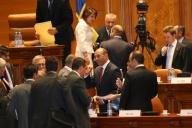 Parlamentul respinge referendumul lui Băsescu