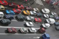 Piaţa auto nu se opreşte din cădere
