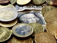 Euro a depăşit pragul de 1,50 de dolari