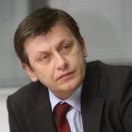 Antonescu spune că dacă ajunge preşedinte vrea renegocierea acordului cu FMI