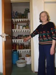 80% dintre români conservă murături în casă