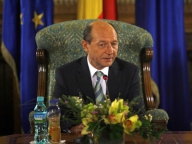 Traian Băsescu exclude negocierile pentru turul doi cu liberalul Crin Antonescu