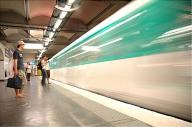 Francezii vor să facă un metrou inutil