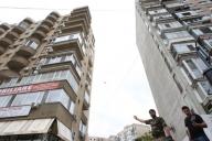 Nouă din zece bucureşteni caută case sub 100.000 de euro