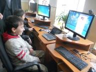 Calculatoarele lui Bill Gates au ajuns în bibliotecile româneşti