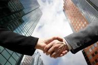 Volumul fuziunilor şi achiziţiilor la nivel mondial a depăşit 1.000 mld. dolari