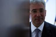 Videanu a donat 2.300 lei pentru diminuarea efectelor crizei, iar şeful lui de Cabinet peste 10.000 lei