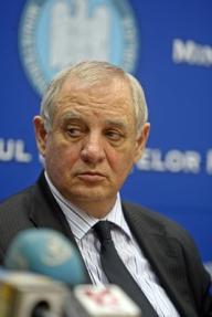 Ministrul Şeitan nu este îngrijorat de plecarea medicilor în străinătate
