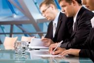 Cum e mai bine să activezi: ca PFA, ca firmă sau ca angajat?
