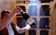 Nu există o interdicţie totală a vinurilor moldoveneşti în Rusia