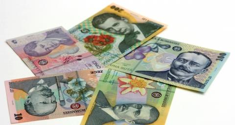 Câştigul mediu în companiile de stat a rămas nemodificat şi după tăierea salariilor pentru bugetari