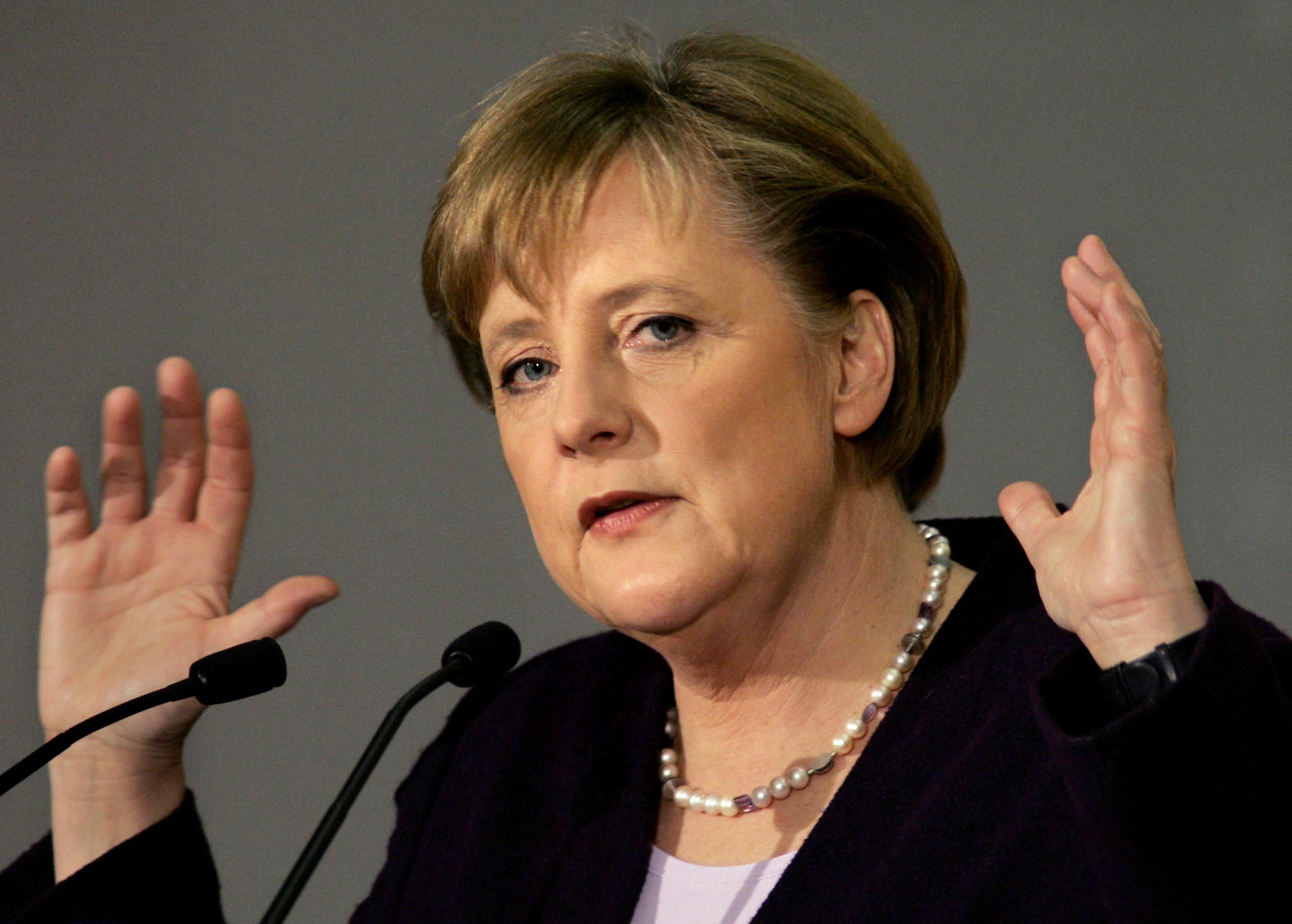 Deutsche Welle: Intervenţia cancelarei Merkel