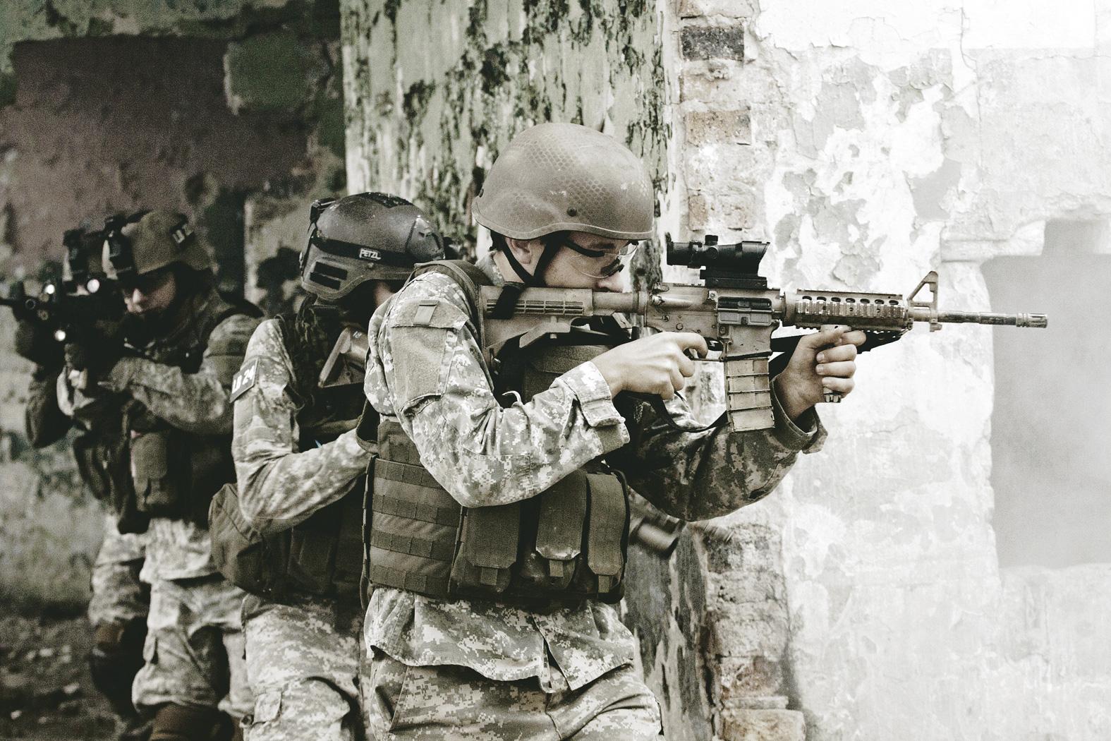 THE ECONOMIST: Viitorul NATO, sub semnul întrebării