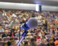 Cursurile la care managerii învaţă cum să seducă audienţa