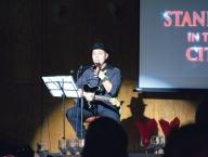 Concerte live şi stand-up comedy cu aromă de cafea