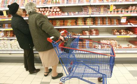 România şi-a actualizat preţurile la cele practicate în UE deşi salariile sunt mai mici
