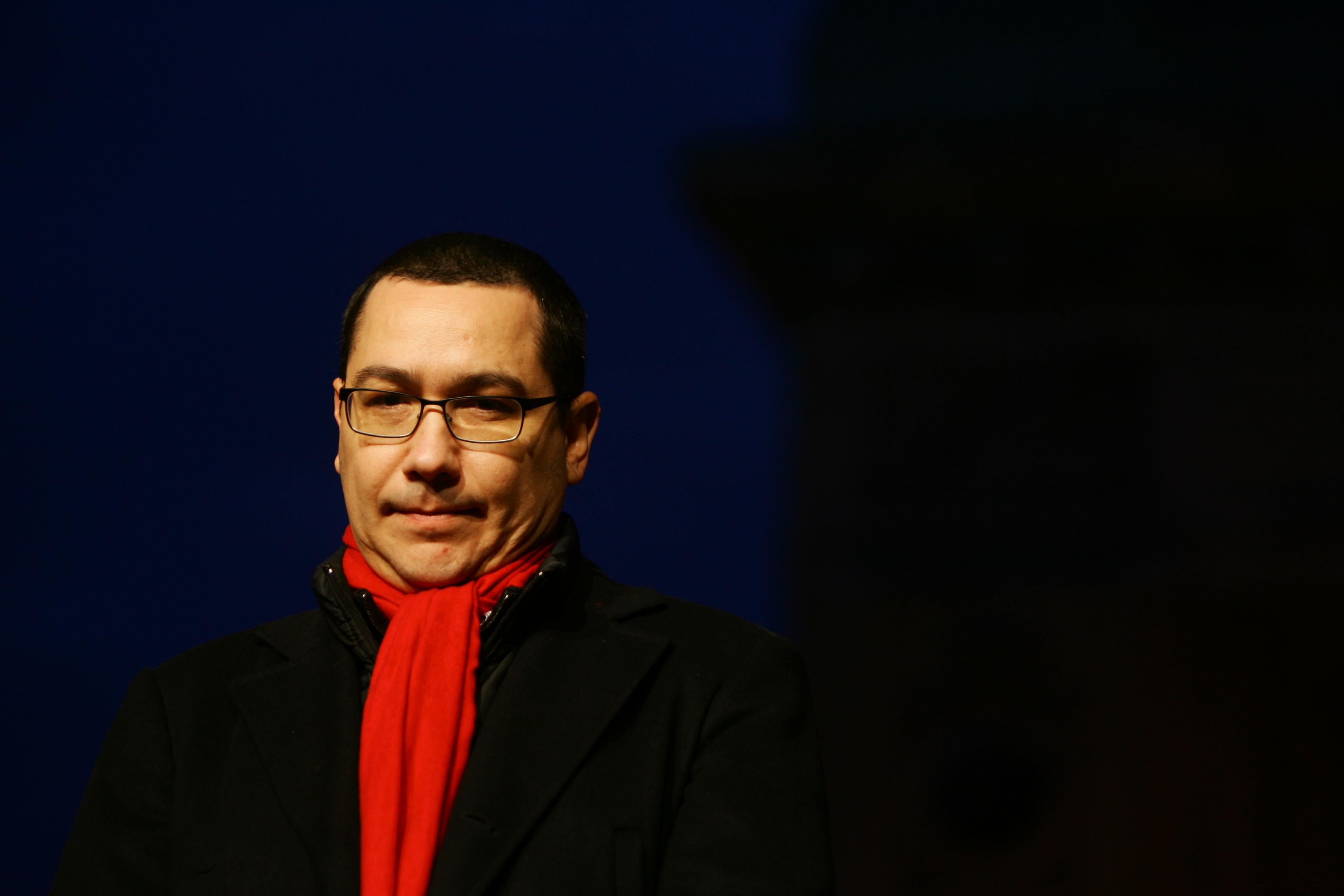 """Victor Ponta: """"De astăzi România este în recesiune"""""""