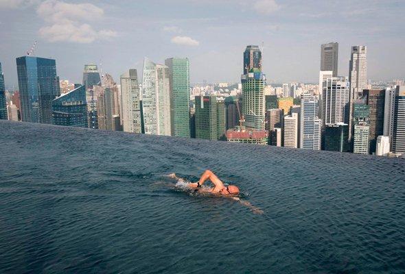 Imagini cu piscina unui complex de 5,4 miliarde de dolari din Singapore