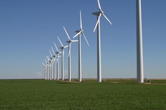 Parcurile eoliene au devenit consumatori de energie, din lipsa vântului, iar centrala Petrom câştigă