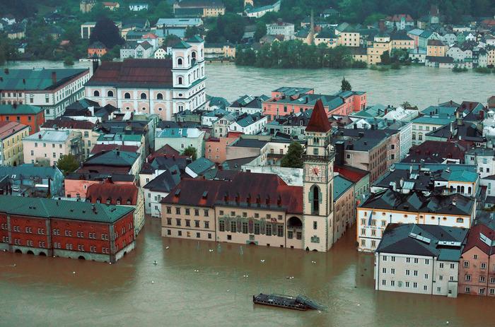 Pagube de 125 mld. dolari provocate de dezastre naturale în 2013