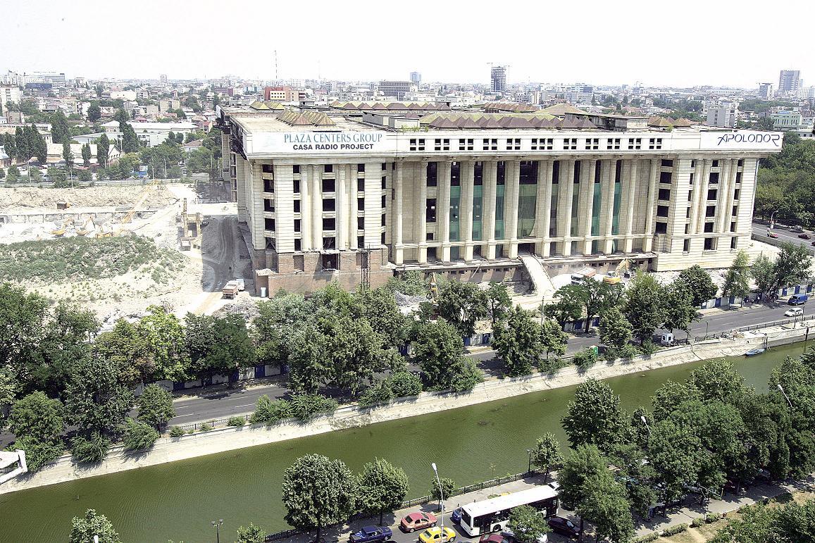 Afacerile imobiliare păguboase ale miliardarilor lumii în România