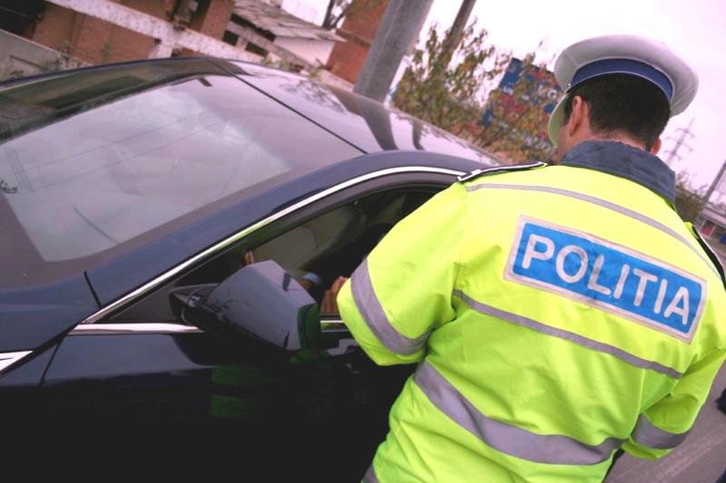 Poliţia rutieră a sancţionat aproape 9.300 de şoferi în ultimele trei zile
