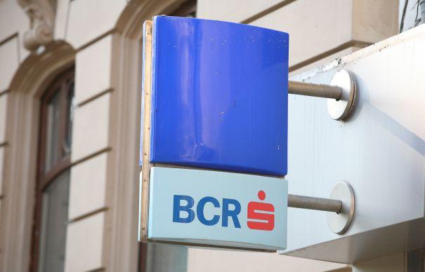 Creditele cu probleme subţiază profitul BCR la finalul lui 2013