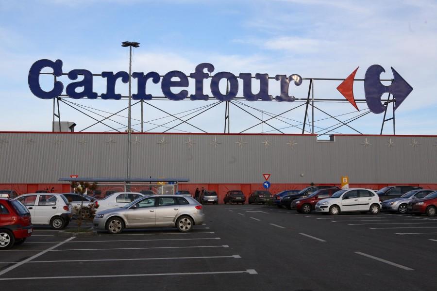 Insolvenţa Carrefour, suspendată provizoriu de Curtea de Apel Bucureşti