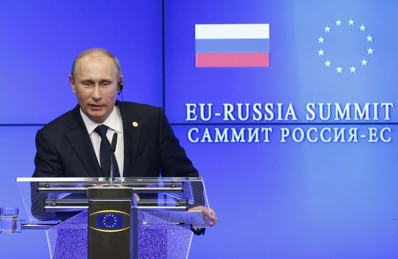 Rusia, acuzată de piratarea a sute de companii americane, europene şi asiatice