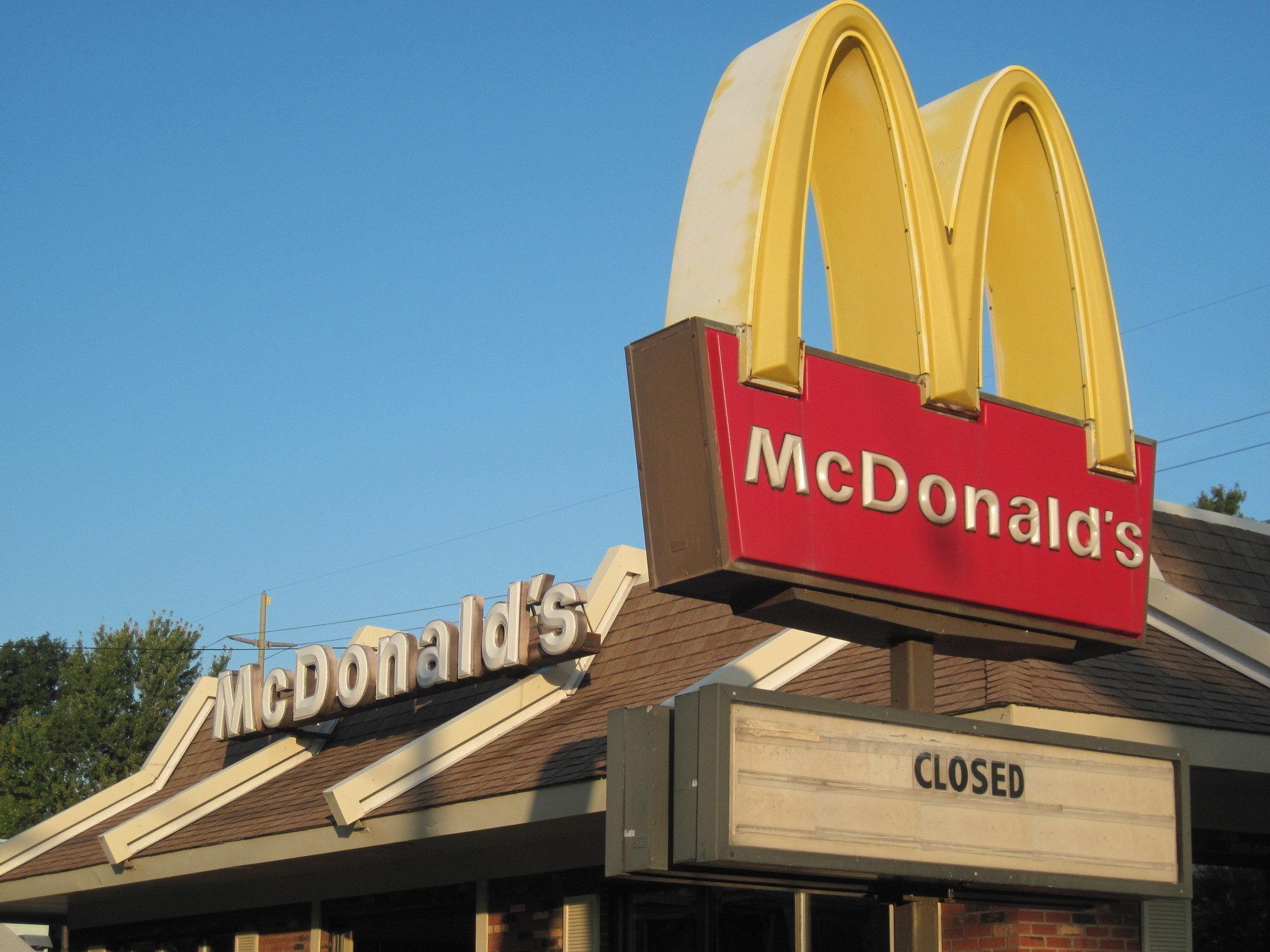 Ce să mănânci la McDonald's, KFC și alte fast food-uri celebre fără să te îngrași. Listă de exemple