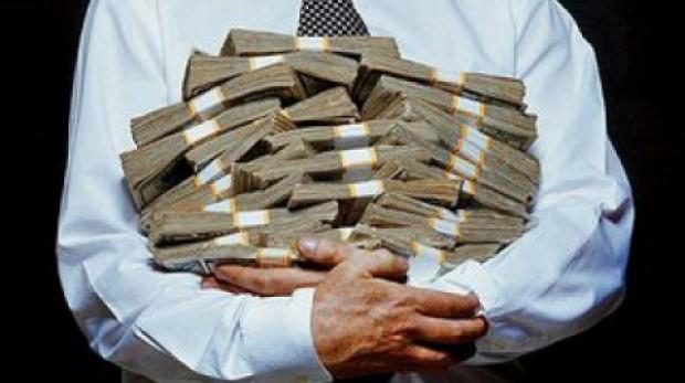 Preşedintele Curţii de Conturi: Din 100 lei bani publici, 40% dispar pe diferite căi