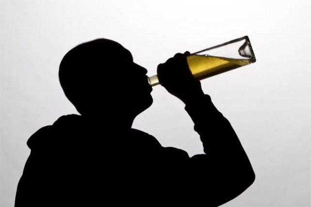 Noi reguli pentru toți cei care consumă alcool pe stradă! Se dau amenzi uriașe