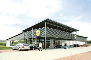 """Un mare retailer investește 5 mil. euro """"să perfecționeze"""" șefii de magazine din România"""